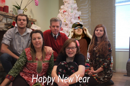 family_christmas_card2017-2_final.png